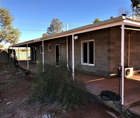AMPILATWATJA UPGRADE STAFF HOUSES